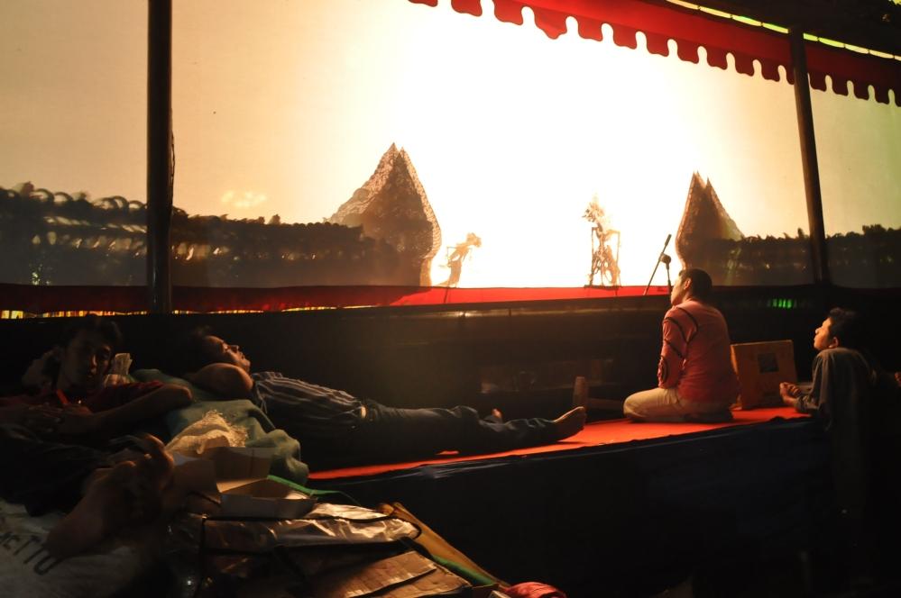 derrière l écran  Wayang Kulit