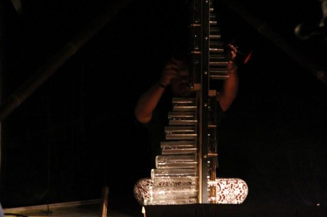 MO' à l' instrument sans nom.